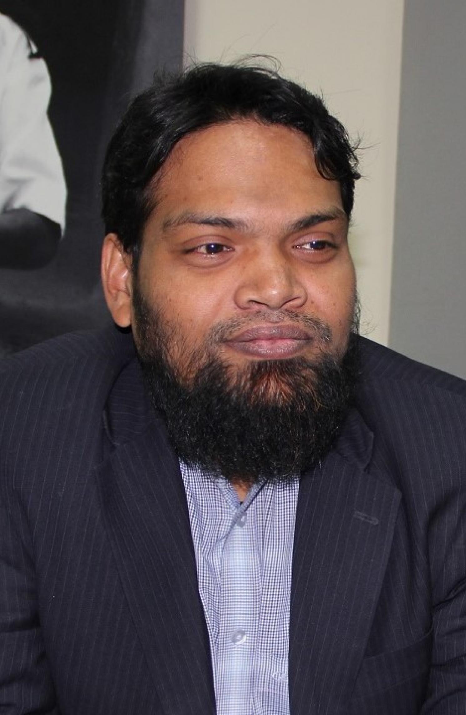 Munir Hussain | ムニル・フセイン